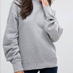 Pullover with sleeve details